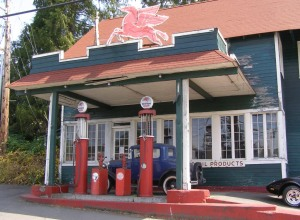 Gas Station on Old 99 near the old Sno-King